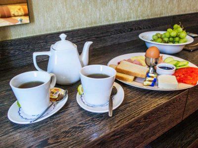 Закуска в стаята на хотел