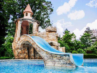 Детска водна пързалка замък