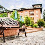 Пейка в парка на СПА хотел Двореца