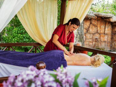 масаж на гръб